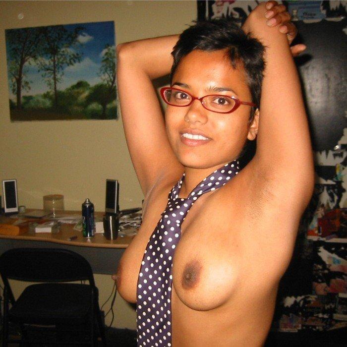 Mosolygós maláj barátnő