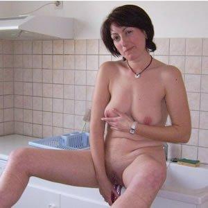 Meztelen feleségek szexelnek